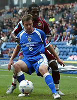 Photo: Paul Greenwood.<br />Burnley FC v Cardiff City. Coca Cola Championship. 09/04/2007.<br />Cardiff's Stephen McPhaill, shields the ball from Eric Djemba-Djemba