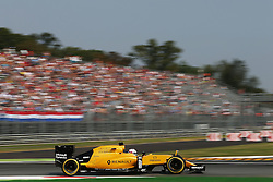 Kevin Magnussen (DEN) Renault Sport F1 Team RS16.<br />