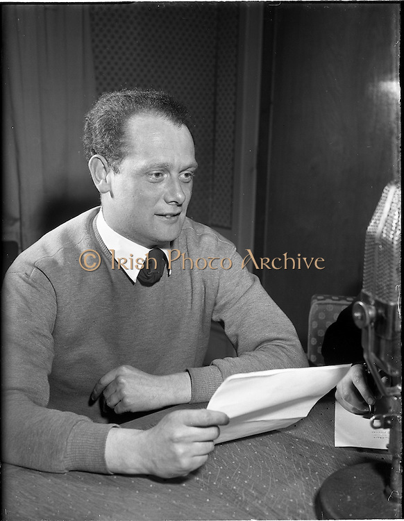 01/03/1956<br /> 03/01/1956<br /> 01 March 1956<br /> Radio Review special for Radio Eireann Junior Sorts Magazine show. Paul Dolan, Athletics reporter with Junior Sport Magazine show from Radio Eireann at R.E. Studios.