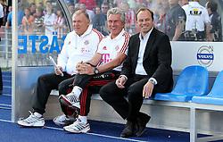 Freundschaftsspiel.Co-Trainer Herrmann Gerland , Trainer Jupp Heynckes und manager Christian Nerlinger (alle Bayern München)       ****** out of GER / CRO  / BEL ******