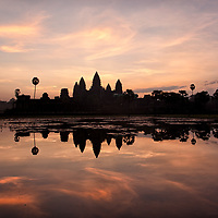 Thanks to my guide and friend, Mab, we arrived on time to the right place for taking some nice pictures of the sunrise at Angkor Wat.