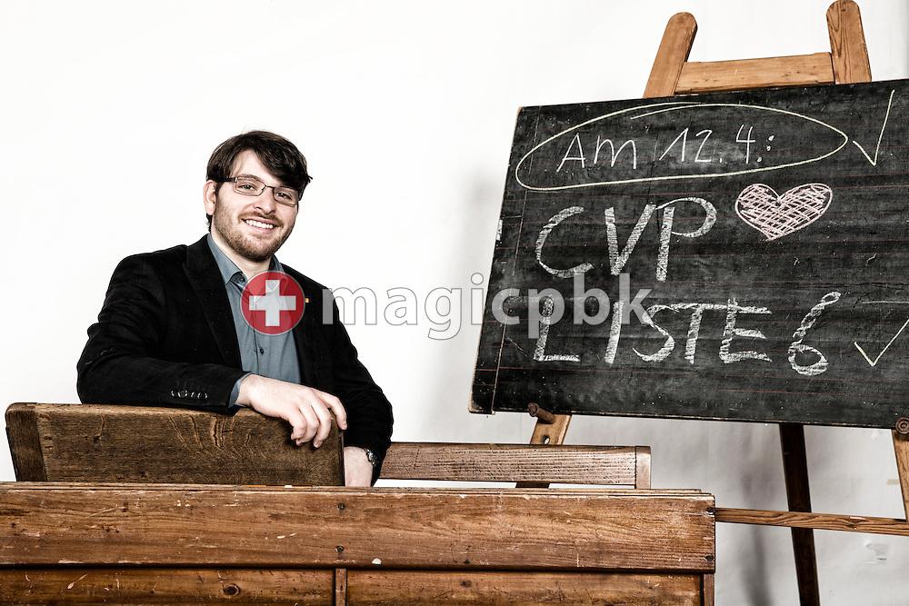 Adrian Moser, Kandidat CVP Liste 6 des Kanton Zuerich, posiert fuer ein Foto in historischen Schulbaenken am 18. Maerz 2015 in Thalwil. (Photo by Patrick B. Kraemer / MAGICPBK)