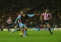 Photo: Andrew Unwin.<br />Sunderland v Aston Villa. The Barclays Premiership.<br />19/11/2005.<br />Aston Villa's Milan Baros (C) fires home his team's third goal.