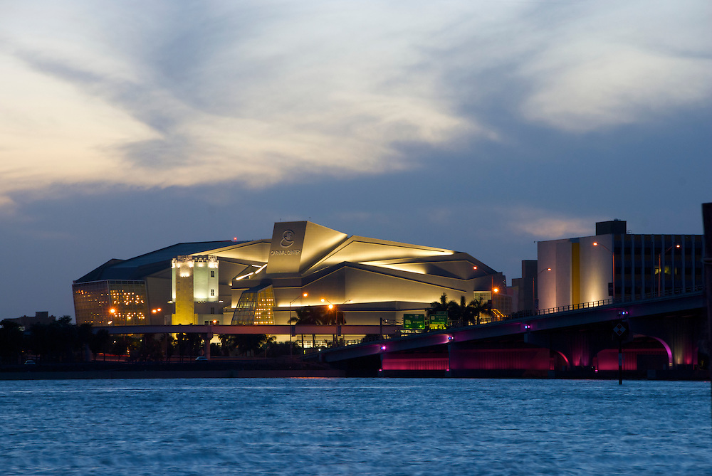 Night View of Center of Performing Arts in Miami, also Called Carnival Center. Miami.