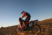 Motor<br /> Foto: Dppi/Digitalsport<br /> NORWAY ONLY<br /> <br /> AUTO - DAKAR 2006 - STAGE 8 - ATAR . NOUAKCHOTT 07/01/2006 <br /> <br /> MOTO - ANDY CALDECOTT (AUS) / KTM - ACTION<br /> <br /> CALDECOTT OMKOM I EN ULYKKET I LØPET MANDAG 9. JANUAR