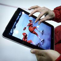 Nederland, Heerenveen , 13 januari 2011..De Nederlandse Schaatster Annette Gerritsen met klapstoel op de schaatsbaan van Thialf..Foto:Jean-Pierre Jans