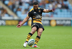 Wasps Lima Sopoaga kicks a penalty during the Gallagher Premiership match at The Ricoh Arena, Coventry