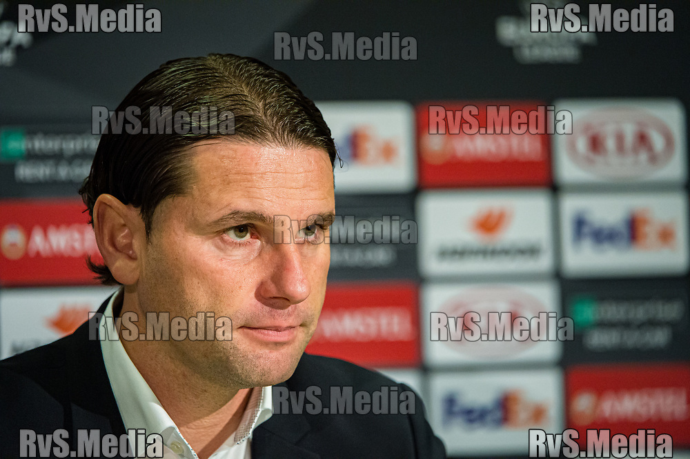 BERN, SWITZERLAND - NOVEMBER 28: Head Coach Gerry Seoane of BSC Young Boys looks on during the UEFA Europa League group G match between BSC Young Boys and FC Porto at Stade de Suisse, Wankdorf on November 28, 2019 in Bern, Switzerland. (Photo by Robert Hradil/RvS.Media)