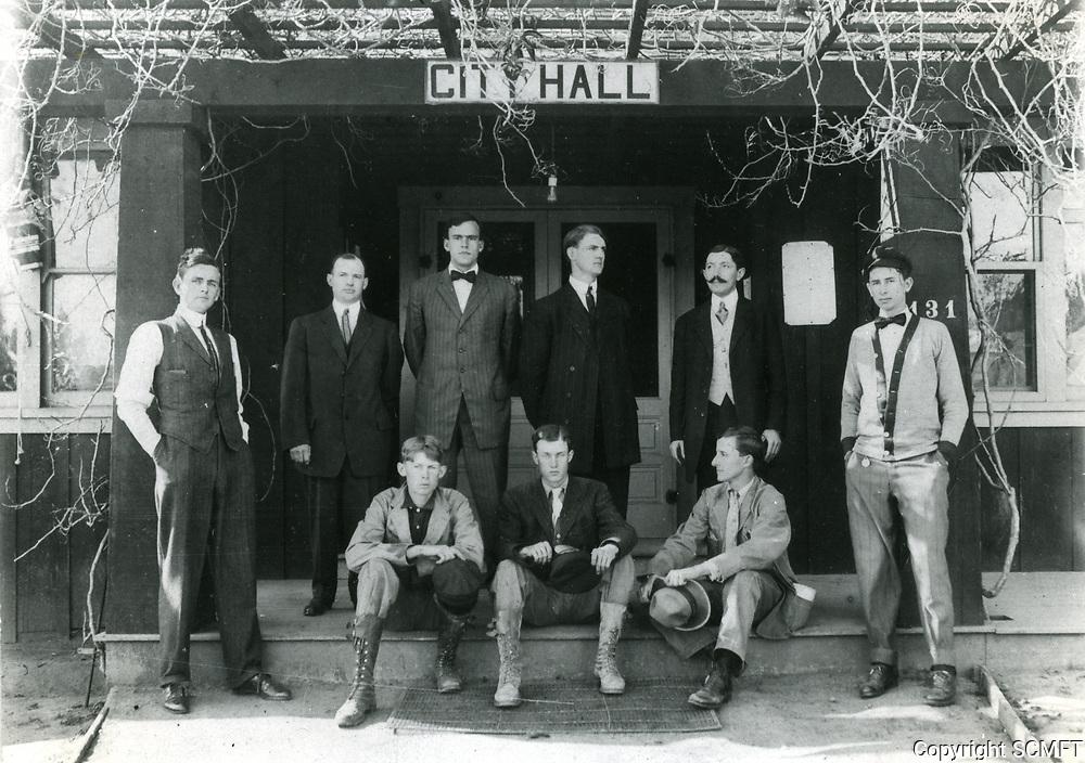 1909 Hollywood's City Hall at 131 S. Cahuenga Ave.