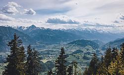 THEMENBILD - die Aussicht vom Hohen Glocker auf Goldegg, die Hohen Tauern und den Pinzgau, aufgenommen am 22. Mai 2020 in St. Veit im Pongau, Oesterreich // the view from the Hohe Glocker to Goldegg, the Hohe Tauern and the Pinzgau, in St. Veit im Pongau, Austria on 2020/05/22. EXPA Pictures © 2020, PhotoCredit: EXPA/Stefanie Oberhauser