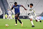 Foto Marco Alpozzi/LaPresse <br /> 16 Dicembre 2020 Torino, Italia <br /> sport calcio <br /> Juventus Vs Atalanta - Campionato di calcio Serie A TIM 2020/2021 - Allianz Stadium<br /> Nella foto:    Duvan Zapata (Atalanta B.C.); Juan Cuadrado (Juventus F.C.);<br /> <br /> <br /> Photo Marco Alpozzi/LaPresse <br /> December 16, 2020 Turin, Italy <br /> sport soccer <br /> Juventus Vs Atalanta - Italian Football Championship League A TIM 2020/2021 - Allianz Stadium<br /> In the pic:    Duvan Zapata (Atalanta B.C.); Juan Cuadrado (Juventus F.C.);